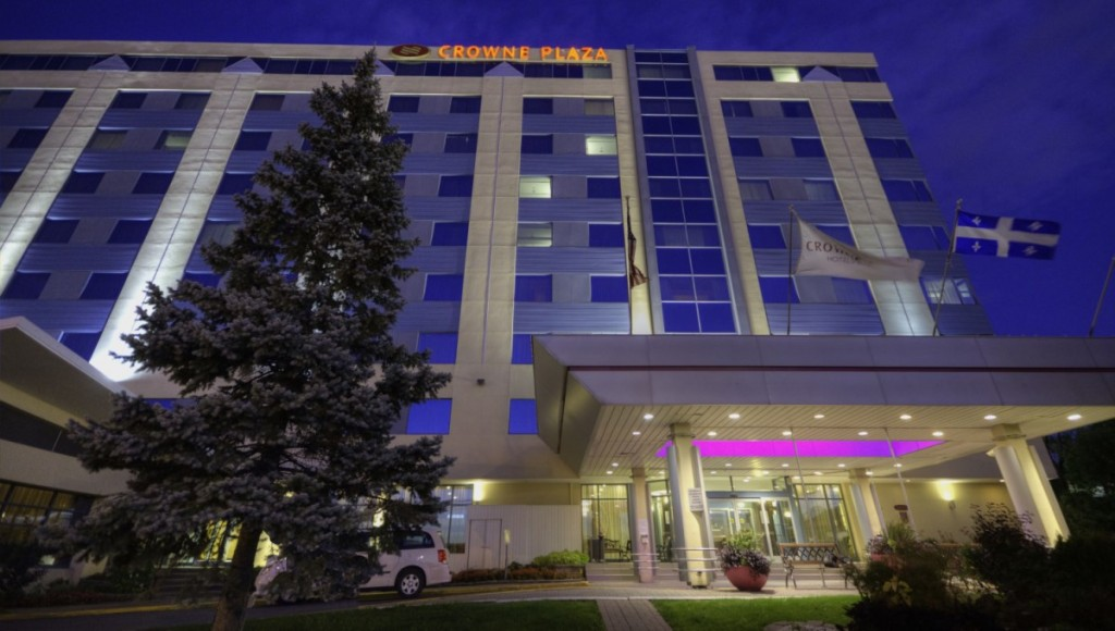 """<a href=""""http://www.ihg.com/crowneplaza/hotels/us/en/montreal/yulap/hoteldetail?rpb=hotel&crUrl=/h/d/6c/1/en/availsearch&ias=y"""" target=""""_blank"""" rel=""""nofollow""""><i class=""""fa fa-calendar-o""""></i> More Information & Availabilities</a>"""